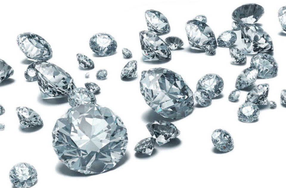Have you ever wondered how to choose a diamond? Houston Speaks has the inside information.